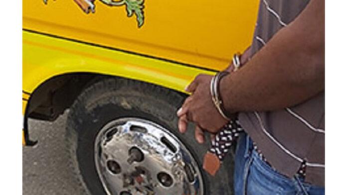 Buschauffeurs die vluchtten bij verkeerscontrole aangehouden