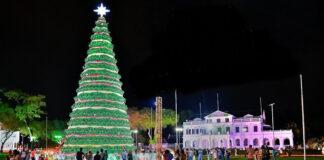 Minister: 'Ook zij die het moeilijk hebben gedenken met Kerst'