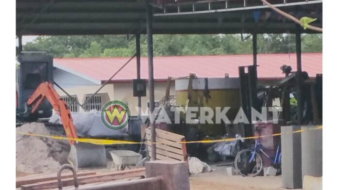 Man dood na val in betonmixer bij bedrijf in Suriname