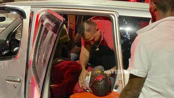 Man zwaargewond uit voertuig gehaald na verkeersongeval