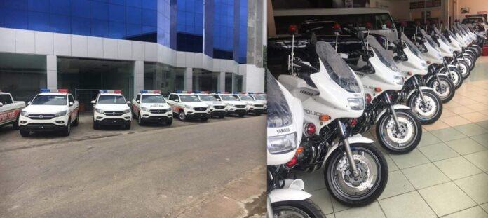 Gespot: Nieuwe pick-ups en motorfietsen voor politie Suriname