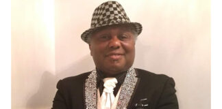 Bekende Surinaamse zanger Onkel Seedo plotseling overleden