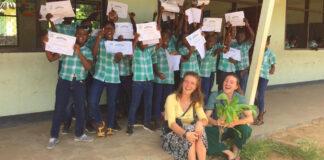 Nederlandse studenten werken in Suriname aan Hydroponics project