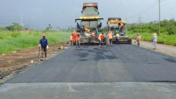 Kwaliteit Martin Luther King Highway verhoogd met polymeer asfalt