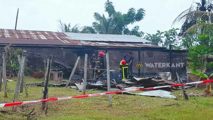 Moeder en drie kinderen dakloos na woningbrand te Leiding 21