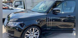 Ontslagen governor Centrale Bank van Suriname staat auto af