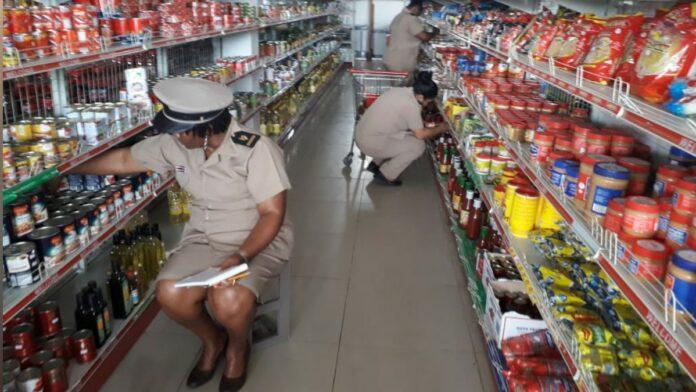 Veel vervallen producten geconstateerd bij controle in winkelzaken Para
