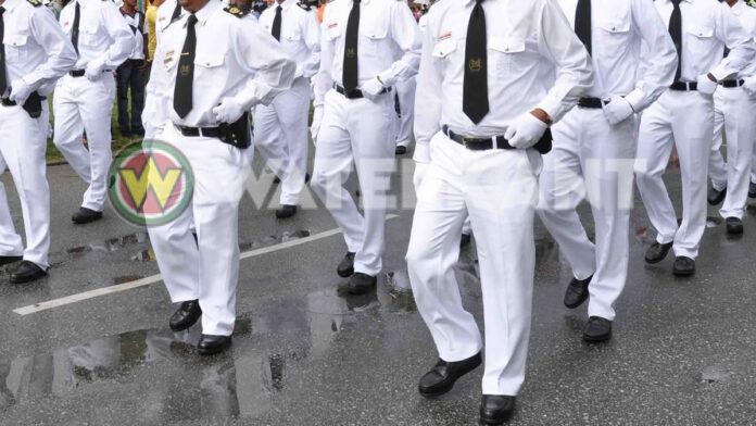 Twee douaniers aangehouden vanwege afpersing en aannemen van giften