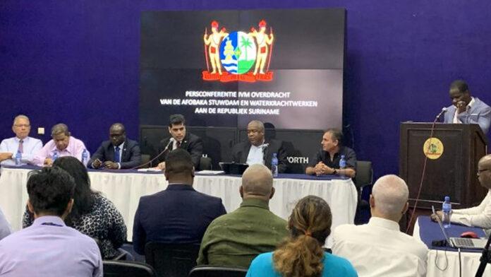 Regering Suriname: 'Stroom prijs niet omhoog met overname dam'