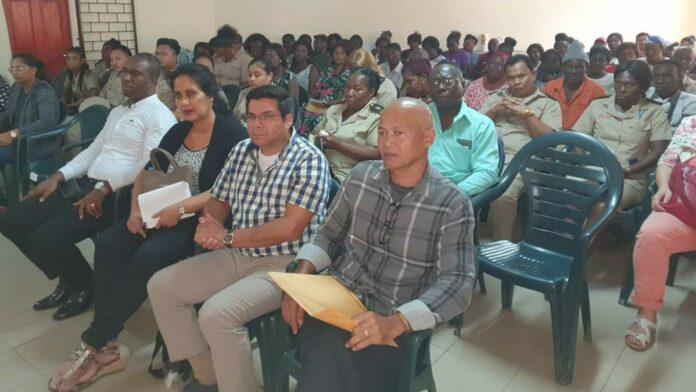 Minister Parmessar: Landbouwsector district Marowijne heeft potentie