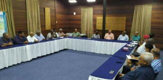 President Bouterse informeert vakcentrales over CBvS