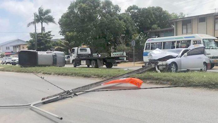 Vier gewonden bij zware aanrijding Jagernath Lachmonstraat