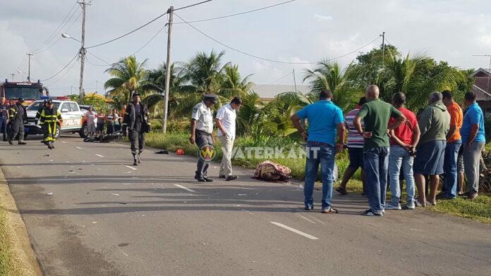 Bromfietser dood na aanrijding met auto te Leiding