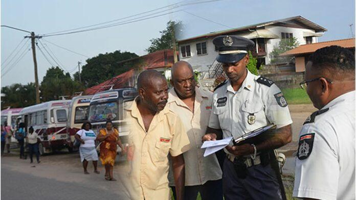 15 buschauffeurs aangehouden bij controle, van alle 15 vergunning ingevorderd