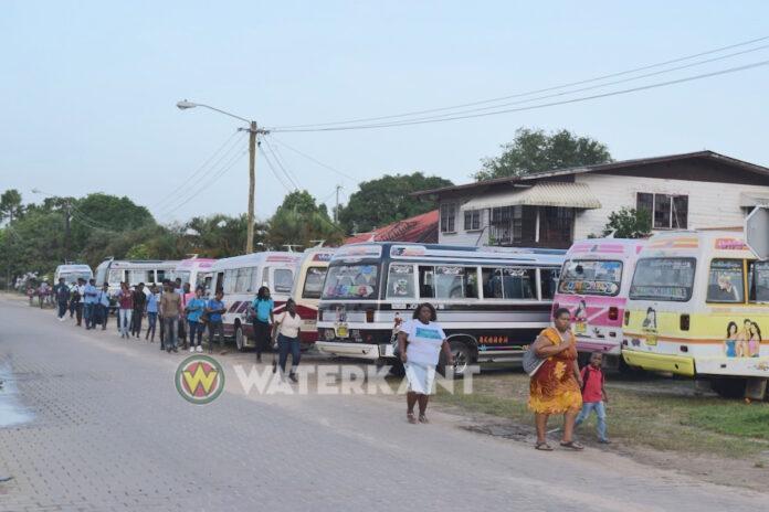 Weer busvergunningen ingetrokken en hoge boetes uitgedeeld