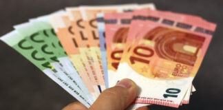 Wisselkoersen US dollar en euro verder gestegen in Suriname