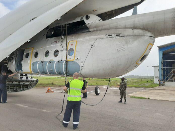 Russische helicopter in Suriname voor bouwwerkzaamheden en medische noodhulp