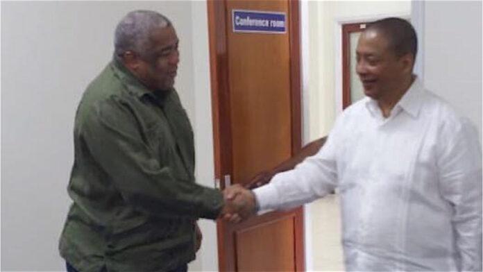 Minister Hoefdraad ontmoet nieuwe governor Centrale Bank van Suriname