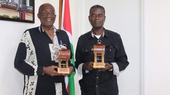 Memre Kaseko Award uitgereikt in Suriname