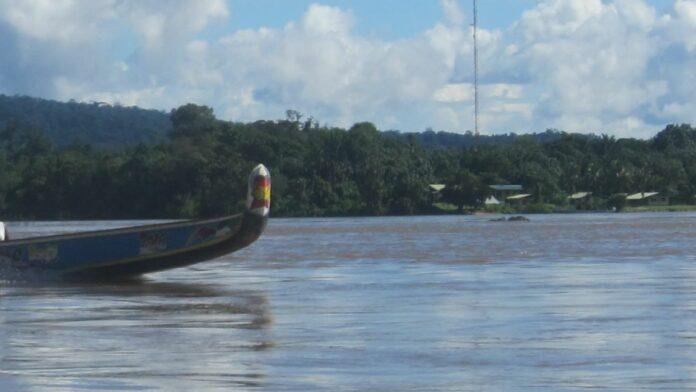Doden bij bootongeluk op Marowijnerivier in Suriname