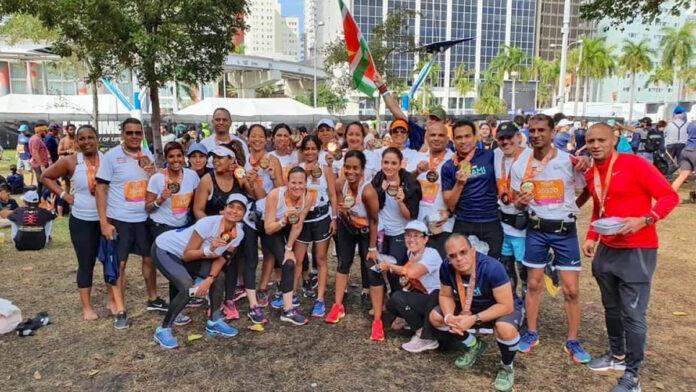 Surinamers rennen halve marathon in Miami voor het goede doel