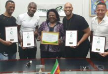 Re-Play ontvangt Lifetime Achievement Award in Suriname