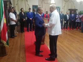 Roemer benoemd als nieuwe governor Centrale bank van Suriname