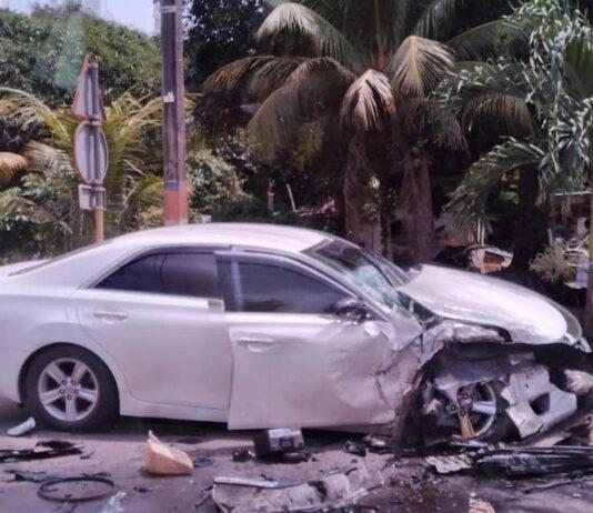 Inbrekers in vluchtauto veroorzaken frontale botsing met tegenligger
