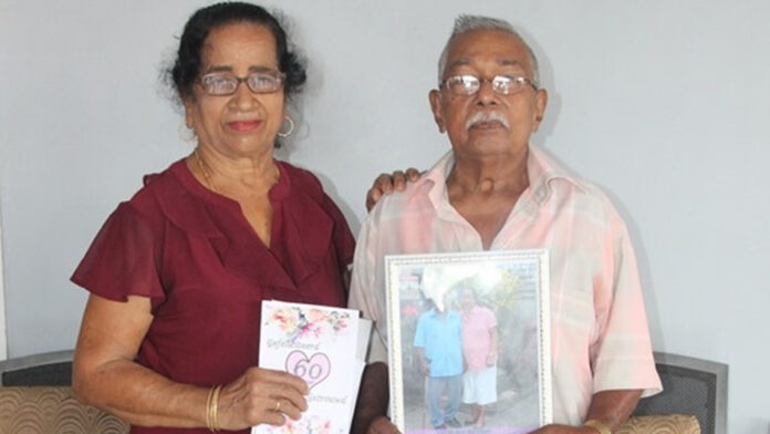 Echtpaar Sheoratan-Soekhlal viert Diamanten huwelijk