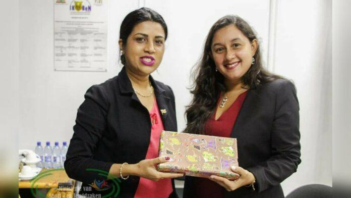 Ambassadeur Venezuela op beleefdheidsbezoek bij minister Gopal