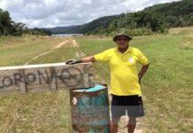 Inheemsen barricaderen vliegveld na landing vliegtuig uit Paramaribo
