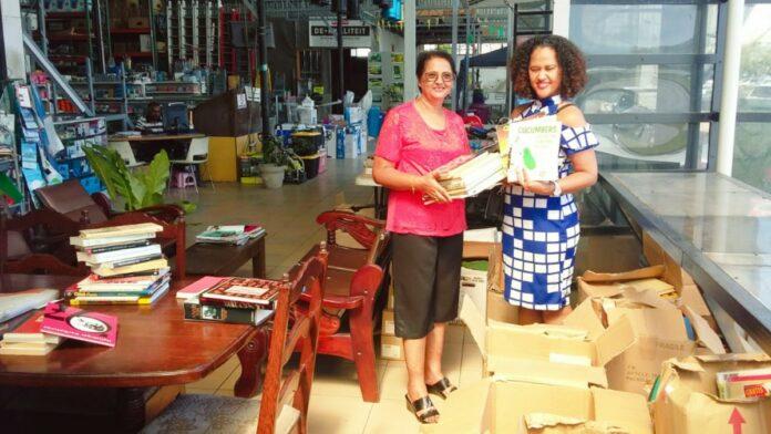 VG Himmat en OHM doneren 1000 boeken aan mediatheken