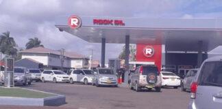Drukte bij pompstations in Suriname vanwege gerucht over schaarste