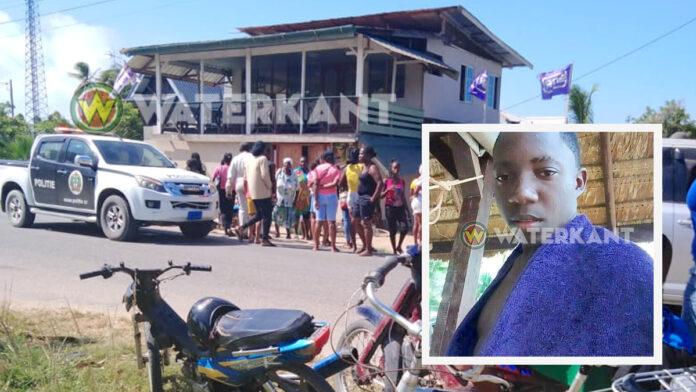 16-jarige jongen steekt 18-jarige dood in Coronie