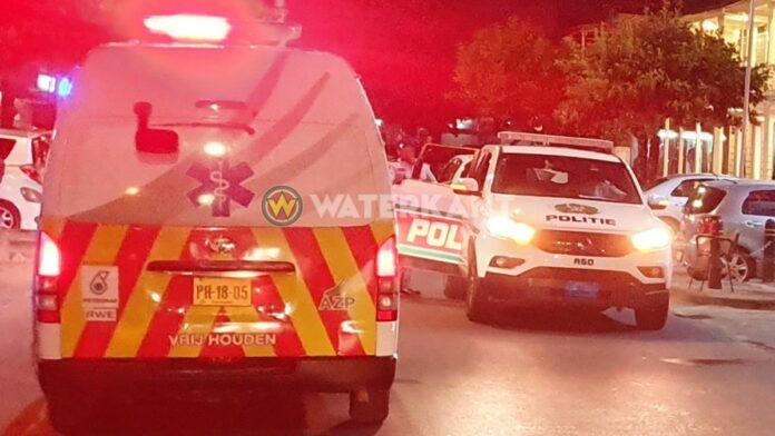 politie-ambulance-op-plaats-delict-suriname