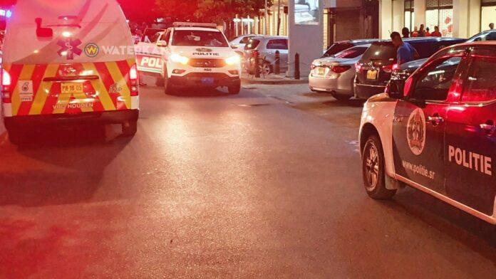 politie-en-ambulance-op-plaats-delict-suriname-nieuw