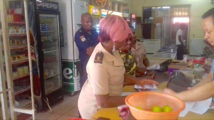 Overheid Suriname pakt prijsstijgingen aan en sluit winkels