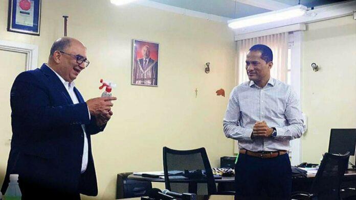 SAB doneert 1000 flessen alcohol hand sanitizer aan Volksgezondheid