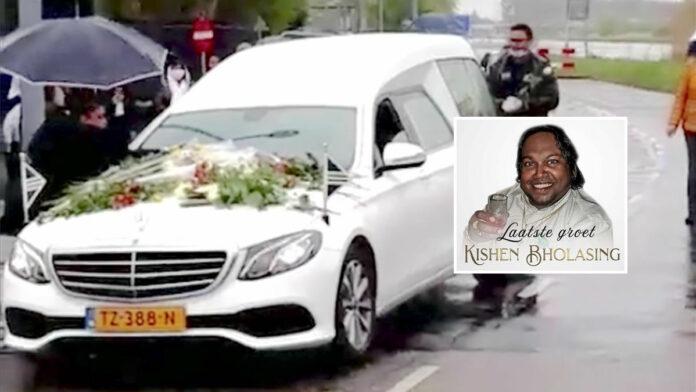 VIDEO: Erehaag voor overleden zanger Kishen Bholasing