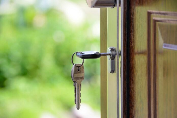 Huurders oude stichtingswoningen Flora mogen huis kopen voor SRD 40.000