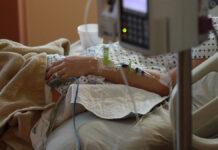 'Suriname heeft slechts 30 Intensive Care plekken, dus blijf huis!'