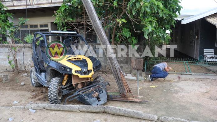 Man knalt met ATV tegen EBS paal en raakt gewond