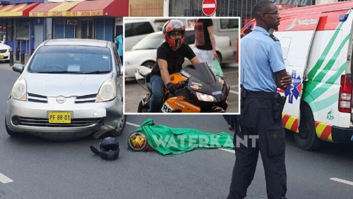 Overleden motorfietser verloor controle over motorfiets, viel en botste tegen auto