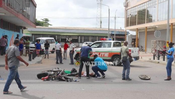 Automobilist die bromfietser doodreed is na aanrijding doorgereden