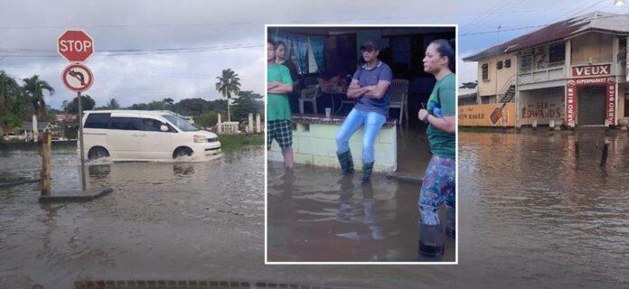Minister en dc bezoeken door wateroverlast getroffen gebied Wanica