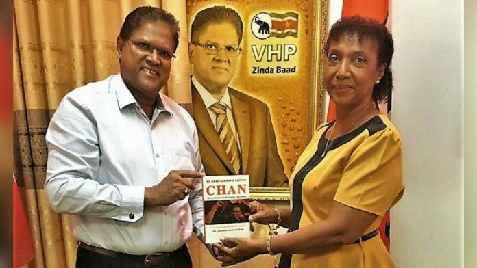 NDP stonfutu Astrid Belliot ondersteunt nu VHP