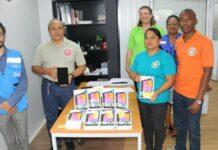 PAHO schenkt 15 tablets voor Malaria Programma