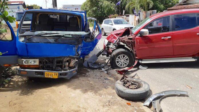 Automobilist krijgt black-out en knalt tegen voertuig met gasbommen
