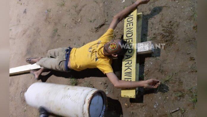 Benadeelden plaatsen foto van gasbom dief online