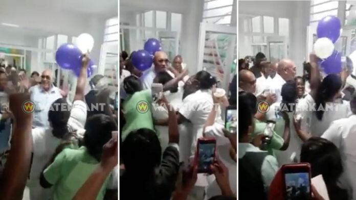 VIDEO: President en verpleegsters lappen corona regels aan hun laars